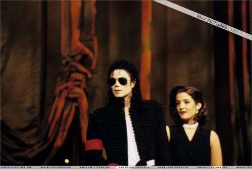 The11thAnnualMTVVideoMusicAwards19946.jpg
