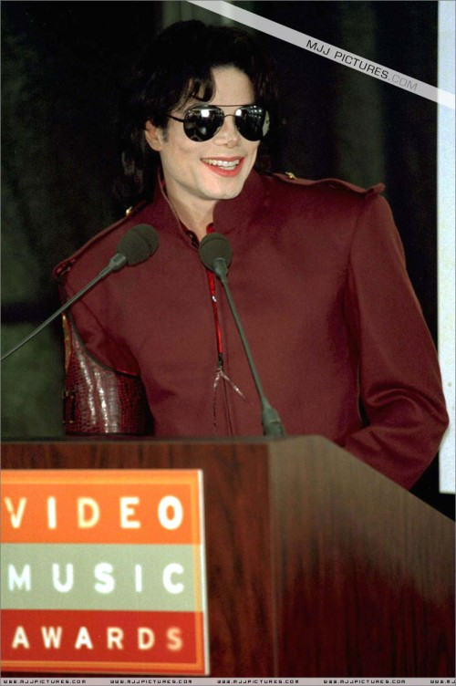 The1995MTVVideoMusicAwardsNominations2.jpg
