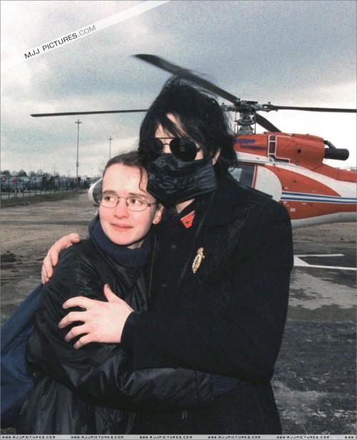 1999-ArrivingatHanovreAirportGermany2.jpg