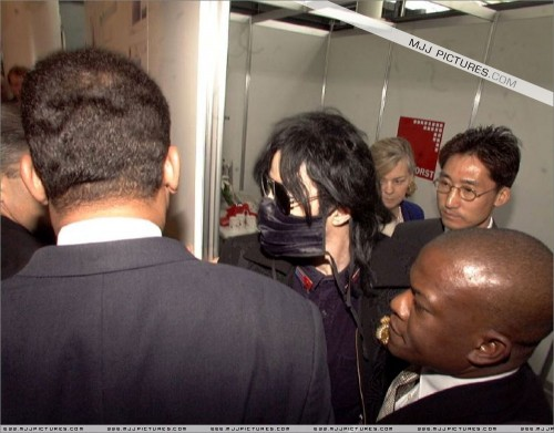 1999-ArrivingatHanovreAirportGermany6.jpg